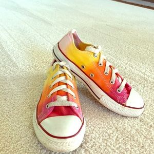 Converse All Star sneakers. Size Y3 Girls. Rainbow
